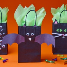 Kids Club Online: Halloween Treat Bags