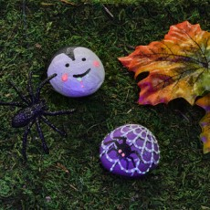 Kids Club Online: Glow in the Dark Halloween Rocks