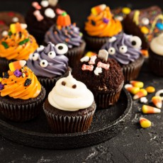 Things to do in Burnsville-Shakopee, MN: Make Spooky Kooky Cupcakes