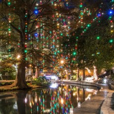 """Holiday Lights on the River Walk '€"""" FREE"""