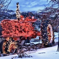 HIghland Holiday Tractor Parade
