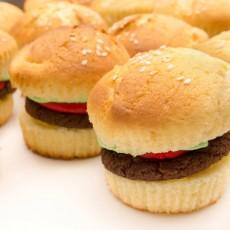Warwick, RI Events: Hamburger Cupcakes Class (Ages 2-8 w/ Caregiver)