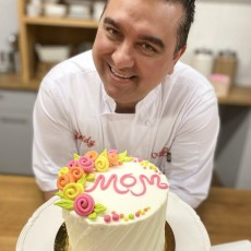 Things to do in Hulafrog at Home for Kids: Make a Mother's Day Cake with The Cake Boss, Goldbelly