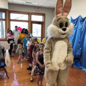 Arlington Heights-Palatine IL Events: Lunch With the Bunny