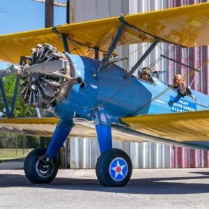 The Happy Hangar Cafe: Watch Small Planes Soar