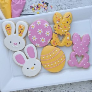 The Cookie Lady's Daughter: PYO Egg Cookies, Easter DIY Cookie Kit, & Mini Speckled Chocolate Egg Cookies!